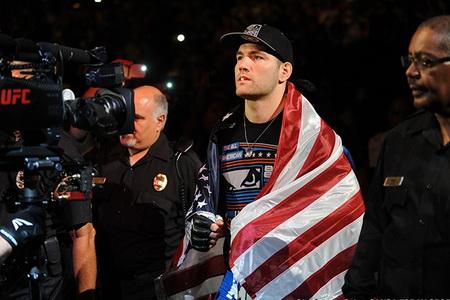 مبارزات بعدی برای برنده های UFC 175   اعلام بازنشستگی B.J. Penn