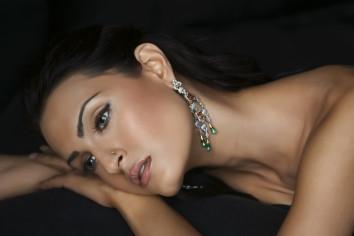 http://s5.picofile.com/file/8130129484/1626274_2446x1631_woman_7_.jpeg