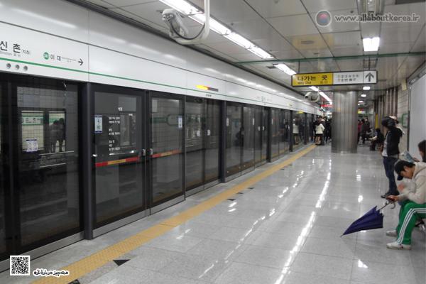 نرده های محافظ در متروی کره جنوبی