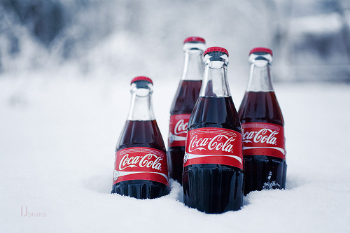 http://s5.picofile.com/file/8130274834/coca_cola_coke_cute_drink_snow_Favim_com_299721.jpg