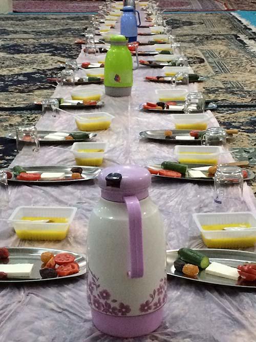 سفره افطار در مسجد امام جعفر صادق(ع) مود