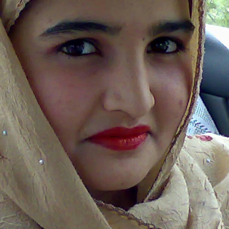 http://s5.picofile.com/file/8132456018/afghan_girl_4.jpg