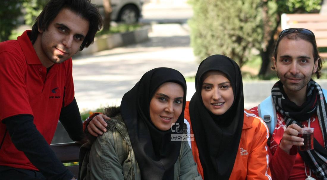 سمیرا حسینی و لیلا بلوکات در پشت صحنه سریال آسمان همیشه ابری نیست