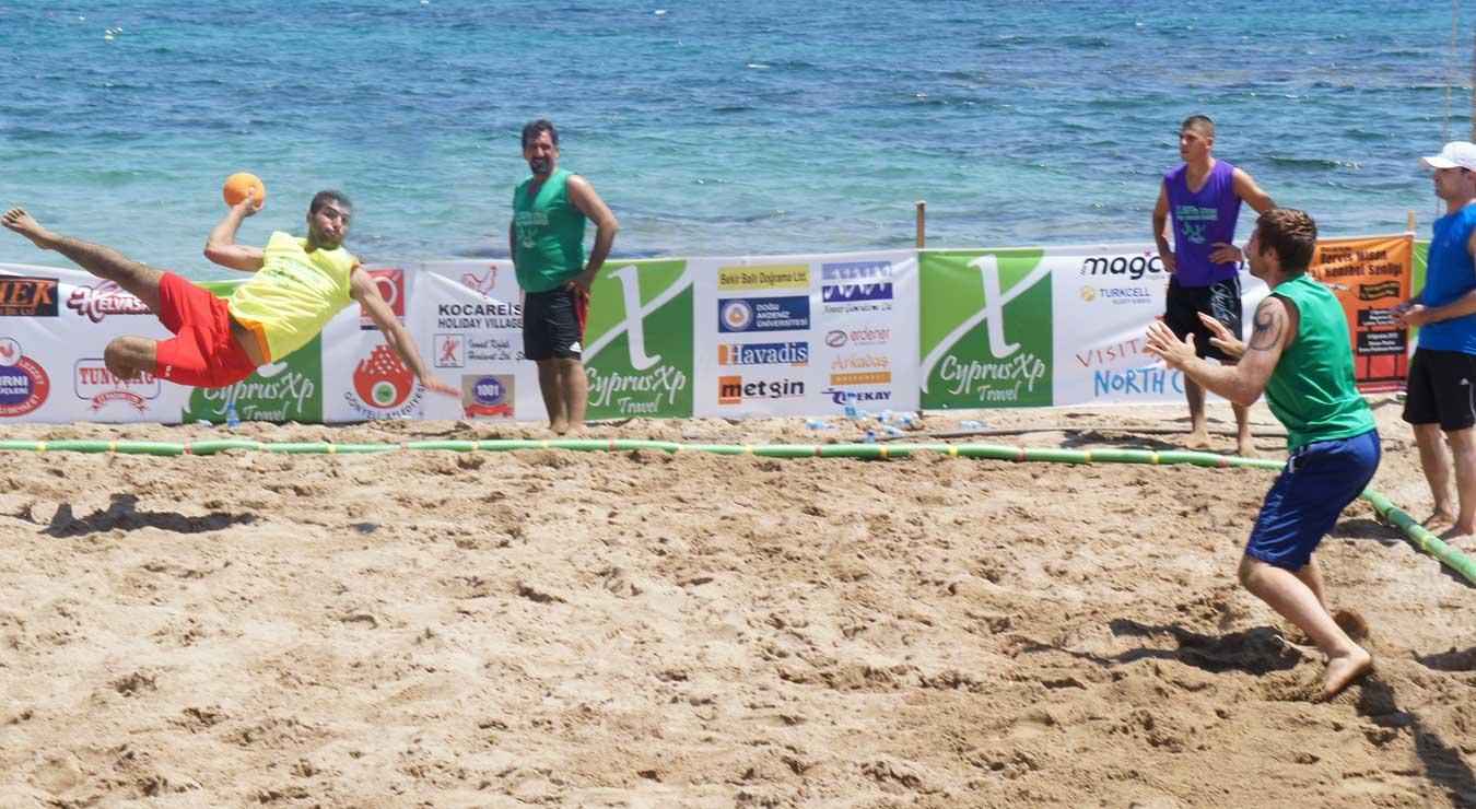 قهرمانی هندبال ساحلی نایبند بندرعباس