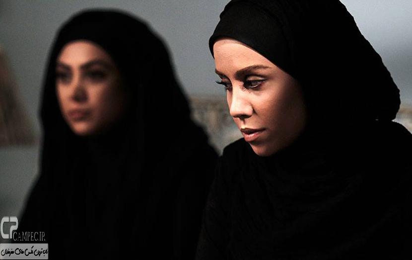 آزاده صمدی و نوش آفرین رحمانی در سریال انقلاب زیبا