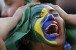 اشک ریختن هواداران برزیل بخاطر شکست سنگین مقابل آلمان