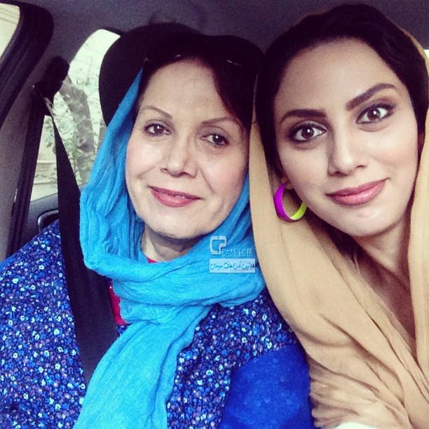 مونا فرجاد و مادرش