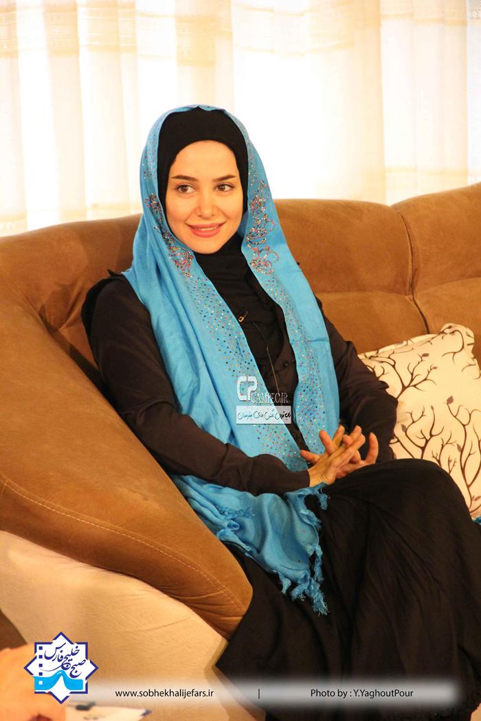 الناز حبیبی در پشت صحنه برنامه صبح خلیج فارس