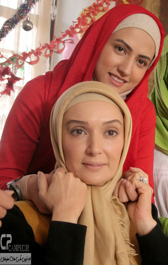 سمیرا حسینی و آتنه فقیه نصیر در پشت صحنه سریال آسمان همیشه ابری نیست
