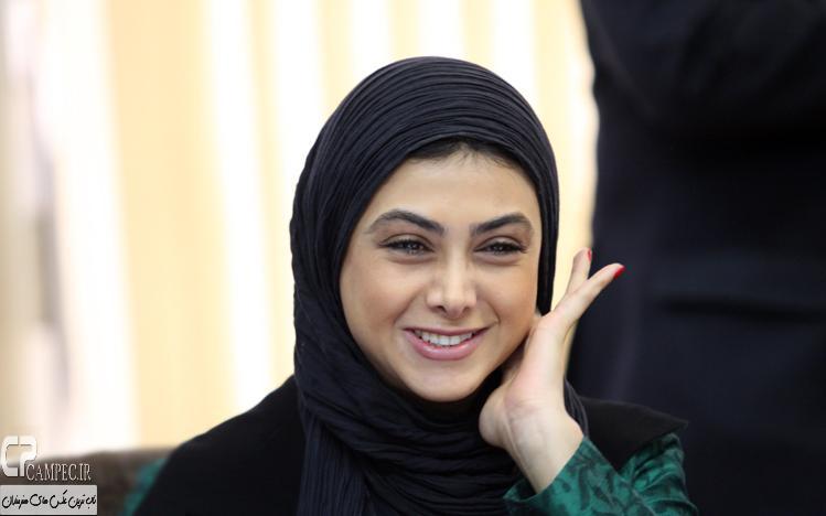 آزاده صمدی بازیگر سریال انقلاب زیبا