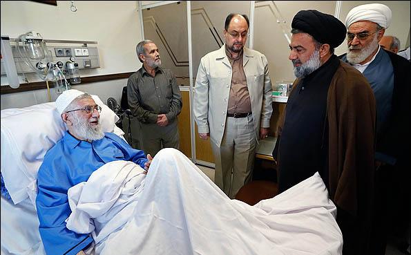 عیادت از مقام معظم رهبری حضرت امام خامنه ای در بیمارستان