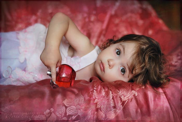 http://s5.picofile.com/file/8142946776/Beautiful_baby_girl_13.jpg