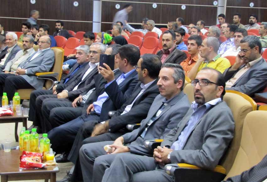در اولین همایش اشتغال،کارآفرینی وتوانمندسازی معلولان،نابینایان وناشنوایان در تبریز
