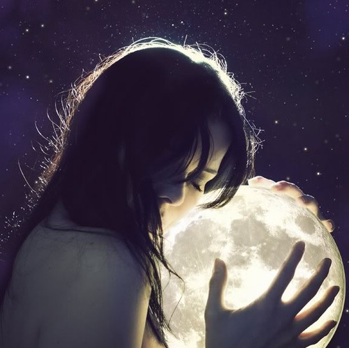 http://s5.picofile.com/file/8146306184/art_beautiful_girl_hair_light_moon_favim_com_44235.jpg