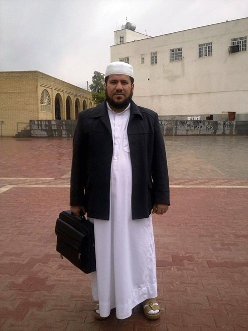 http://s5.picofile.com/file/8146350900/Ali_Vatankhah.jpg