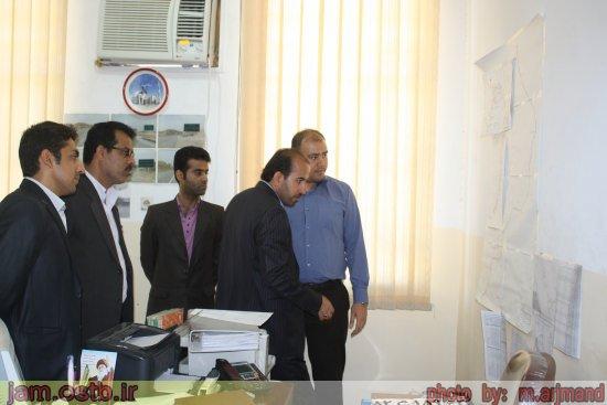 گزارش تصویری: بازدید فرماندار جم از ادارات برق و راه و شهرسازی شهرستان