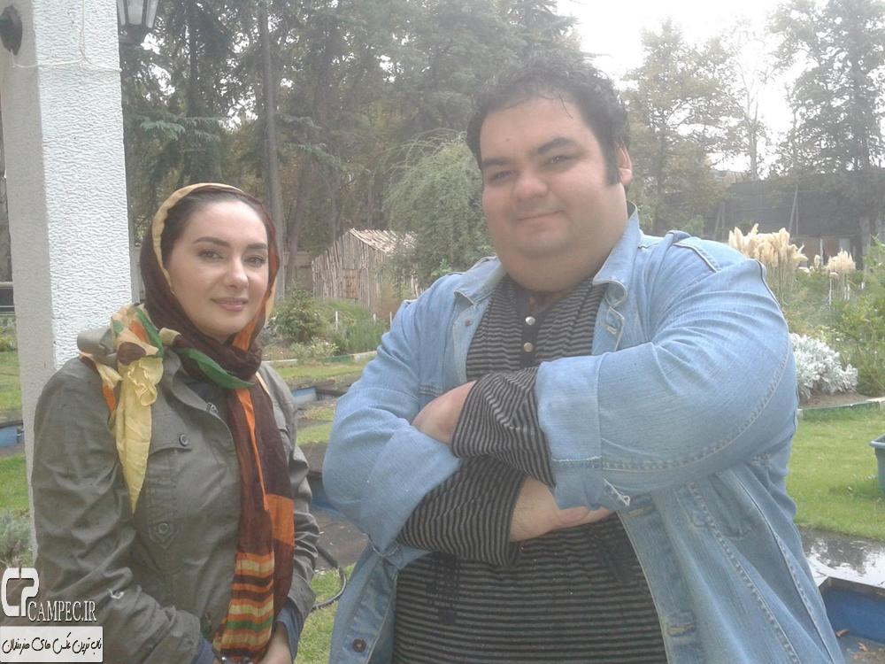 علی برقی و هانیه توسلی در پشت صحنه سریال ابله
