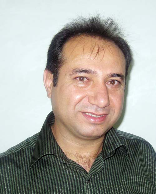 http://s5.picofile.com/file/8147377784/dr_Esmaeil_Zamani.jpg