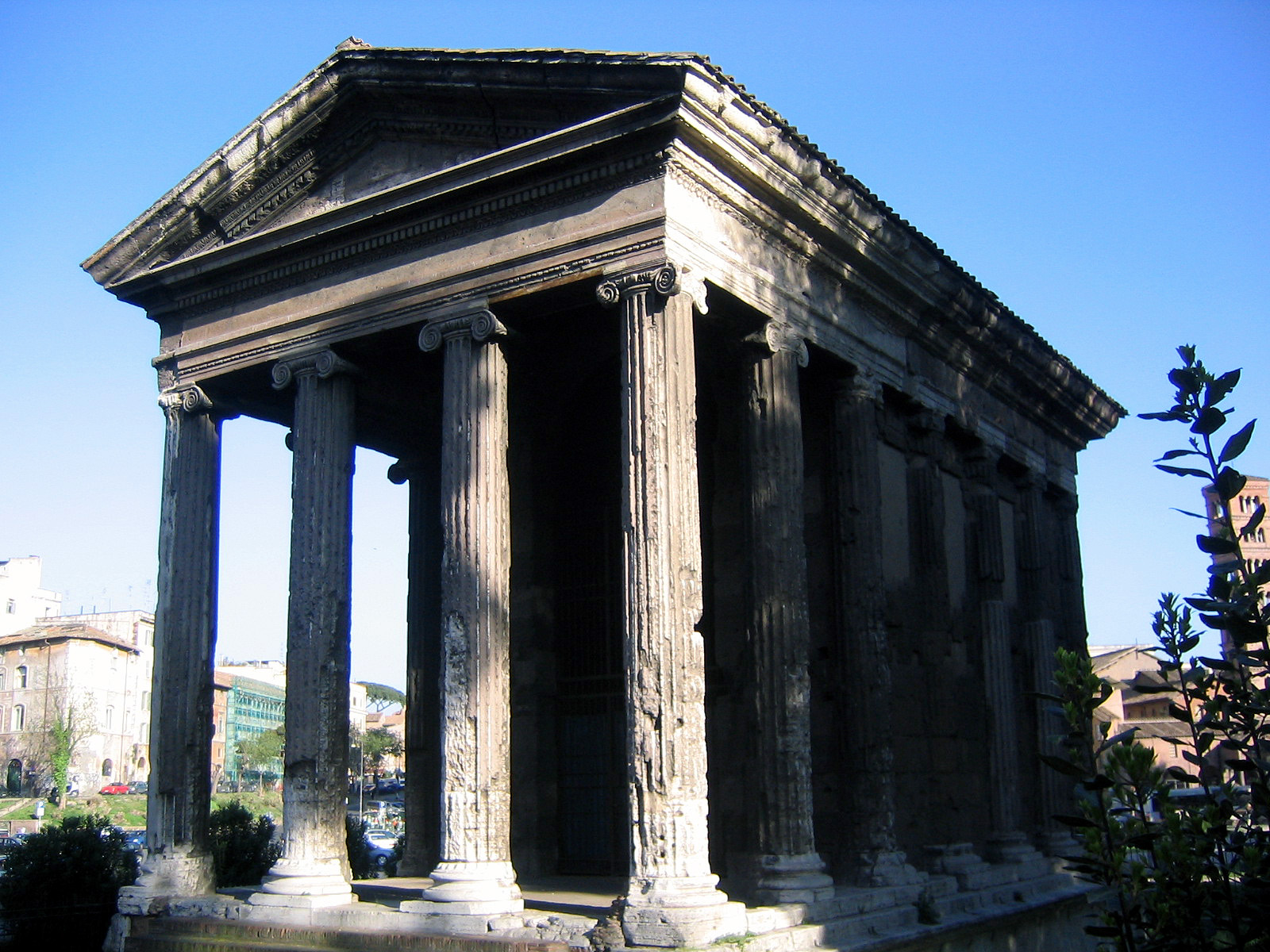 http://s5.picofile.com/file/8148165168/Temple_of_portunus_front.jpg