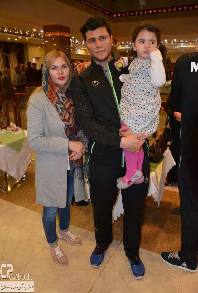 مهدی مهدوی و همسر و فرزندش