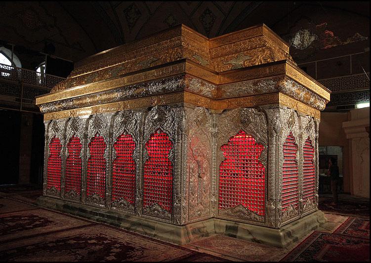 عکس مذهبی با موضوع ضریح جدید و مطهر حضرت امام حسین(ع)
