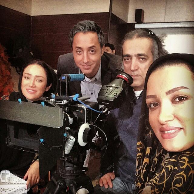 عکس جدید روناک یونسی بهاره افشاری و امیر حسین رستمی در پشت صحنه سریال آخرین بازی