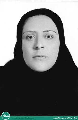 مصاحبه با خواهر 2 شهید / آرزوی عروسی برادران شهیدم بر دلم ماند/ تحسین رهبر انقلاب از ساده زیستی پدرم