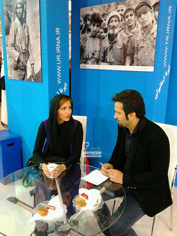 عکس جدید سمیرا حسینی در نمایشگاه مطبوعات