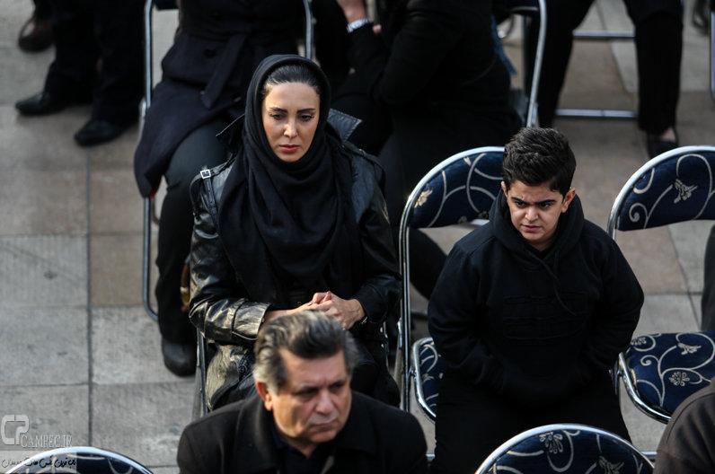لیلا بلوکات و امیر محمد متقیان در مراسم تشییع پیکر مرتضی پاشایی
