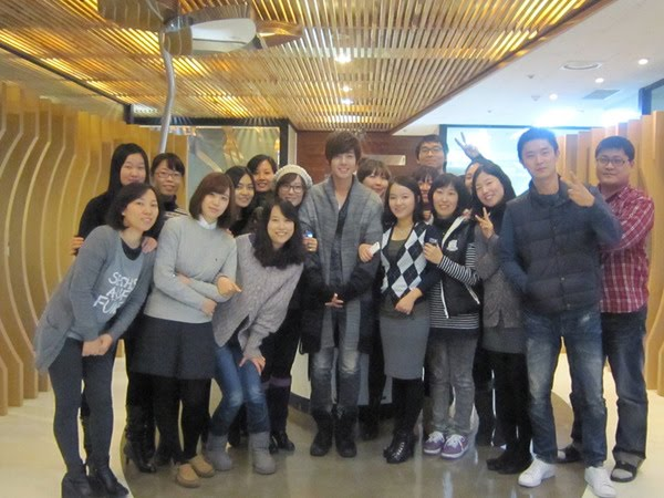 Photos_Kim Hyun Joong Backstage