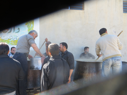 آش امام حسین علیه السلام در زورخانه ابرکوه