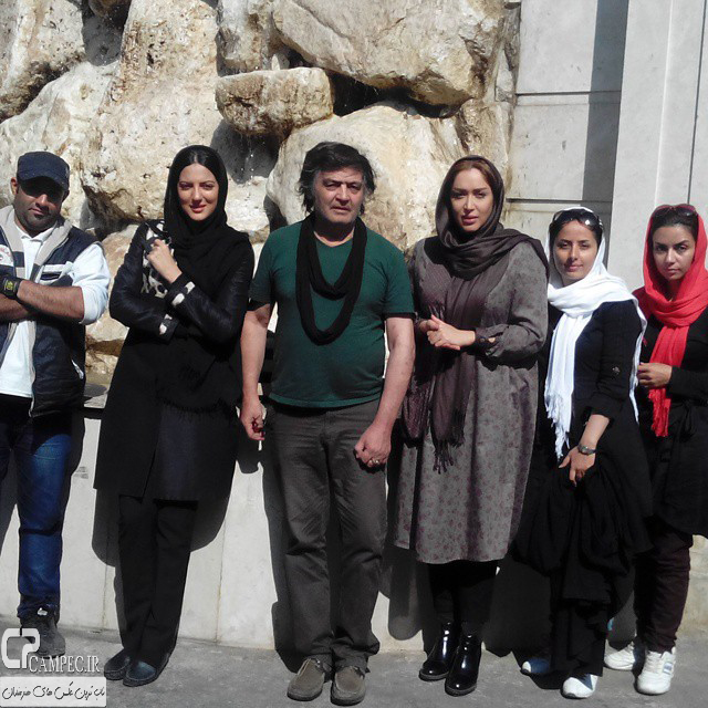 عکس جدید هلیا امامی و سارا منجزی و رضا رویگری