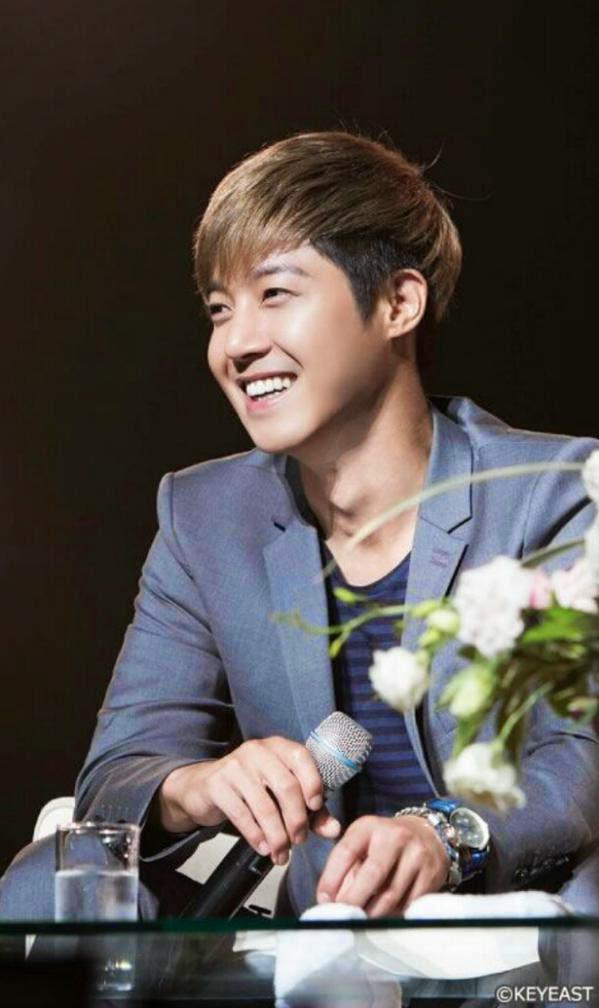 [Photo] Kim Hyun Joong - Japan Mobile Site Update [14.11.27]