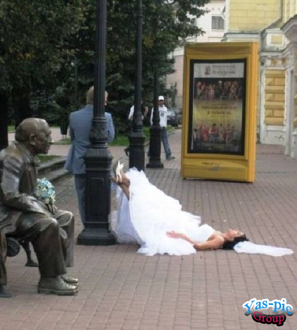 http://s5.picofile.com/file/8154444884/funny_wedding_28_photos_15.jpg
