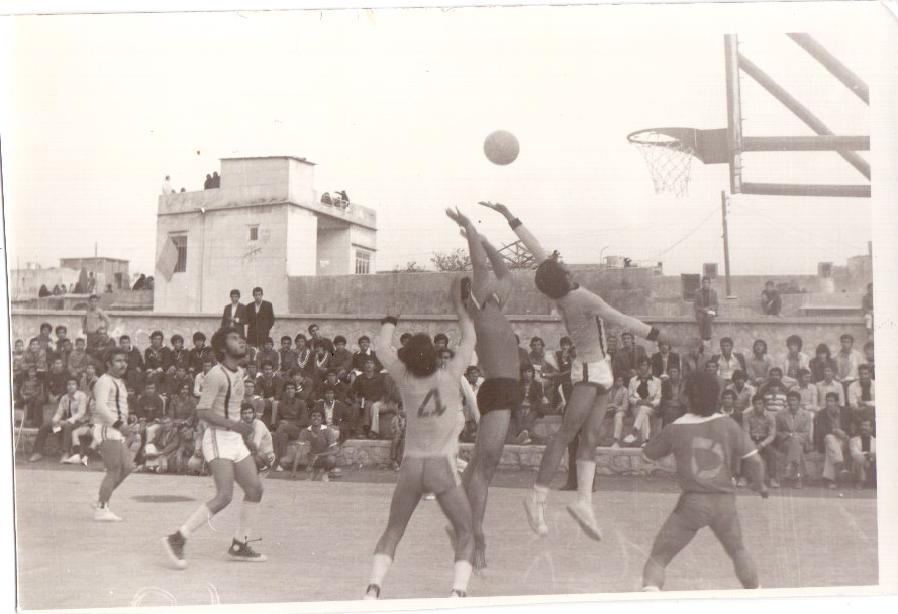فینال بسکتبال بین دو تیم پرسپولیس و برق -اسفندماه 1352
