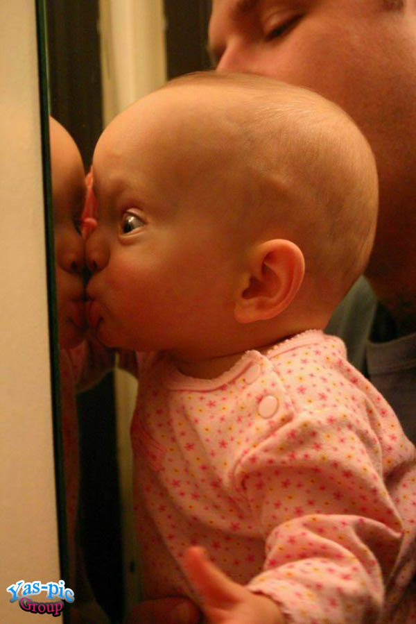 http://s5.picofile.com/file/8154875676/funny_baby_pictures_04.jpg
