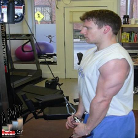 آموزش حرکت پشت بازو سیم کش با طناب همراه تصویر