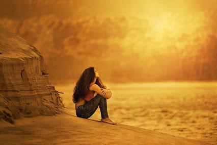 دختر تنها و دلتنگی