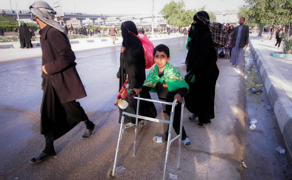 عکس مذهبی با موضوع راهپیمایی زائرین اربعین حسینی