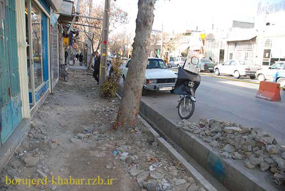 اجرای عملیات کفپوش گذاری در خیابان سعدی