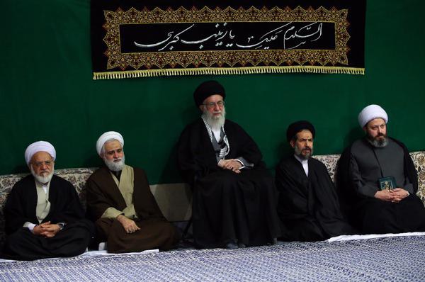 عکس مذهبی با موضوع دیدار مقام معظم رهبری با هیئت های دانشجویی کشور در اربعین حسینی- حسینیه امام خمینی(ره)سال 1393