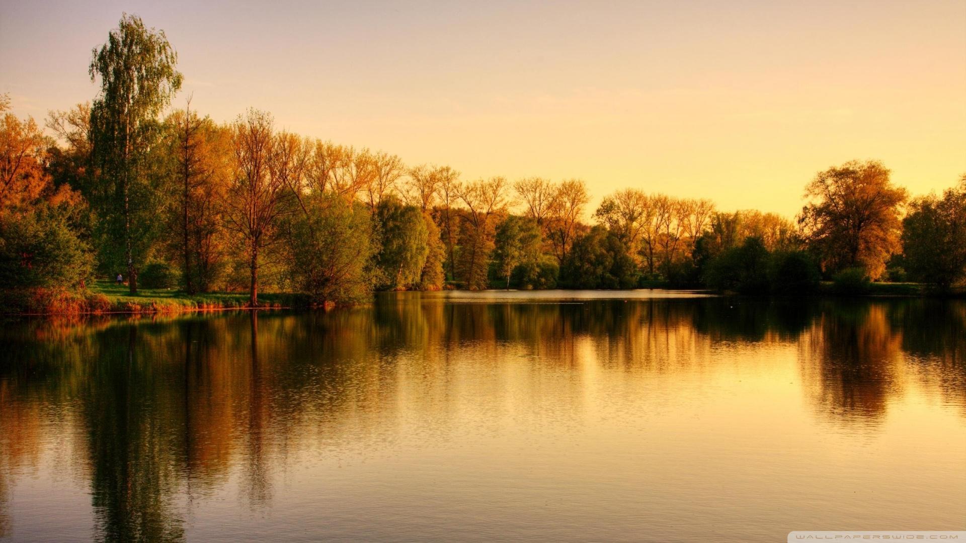 http://s5.picofile.com/file/8157366434/sunset_over_the_lake_wallpaper_1920x1080.jpg