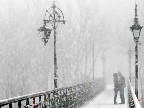 boy_city_couple_first_snow_girl_Favim_co
