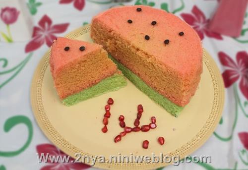 کیک هندوانه ایی دست پخت مامان نفیسه