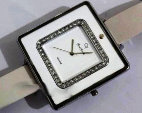 خرید اینترنتی ساعت مچی زنانه مدل کلوین 93