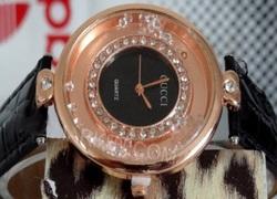خرید پستی ساعت زنانه مارک گوجی بند مشکی و سفید