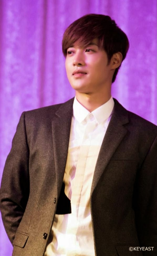 [Photo] Kim Hyun Joong - Japan Mobile Site Update [15.01.05]