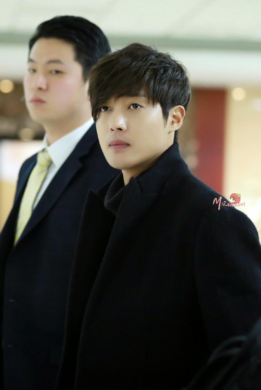 [青豆嘎嘣脆 Photo] Kim Hyun Joong - Gimpo Airport Departure to Japan [15.01.09]