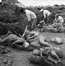 images 9  شهری که مردمش بخاطر زنا و لواط به مجسمه های سنگی تبدیل شدند!+ تصاویر