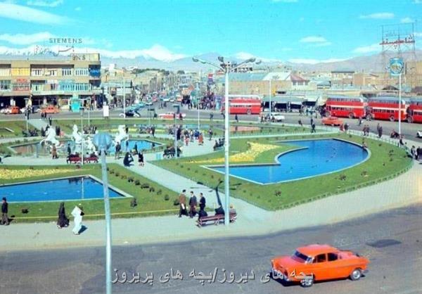 http://s5.picofile.com/file/8164839934/old_tehran_photo_1343_sq_emam_hossain_foziyeh.jpg